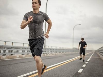 حدث لي تسلخا جراء ممارسة الجري، فهل هناك واقٍ حتى لا يتكرر؟