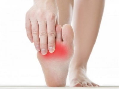 آلام في مناطق من جسمي وخاصة قدمي.. وتظهر عروق فيها.