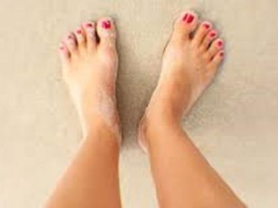 لدي اسمرار شديد في أصابع قدمي وجلد ميت.. ما نصيحتكم؟